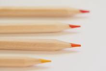 Markeren-met-krijt-stiften-en-potloden